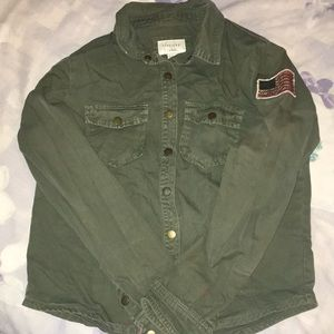 Army green button up 🇺🇸